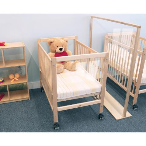 WB9503 - Infant Clear View Crib